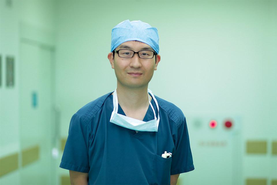 外科医師 豊田和宏